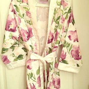 Other - The Knot Shop silky robe
